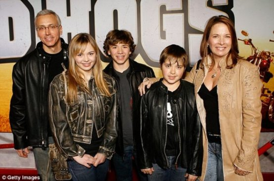 Drew Pinsky and his wife, Susan Sailer with their children arrived at the premiere of the movie Wild Hogs in 2007.