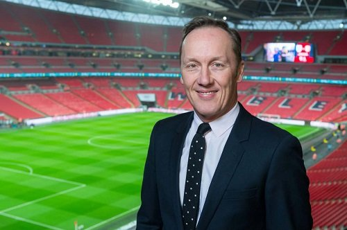 Lee Dixon Bio, Age, Height, Net Worth, Married, & Children