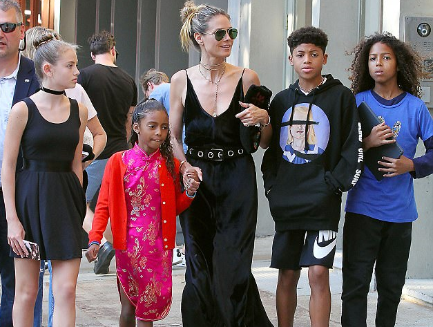 Johan Riley Fyodor Taiwo Samuel walk in the street alon with his mother Heidi Klum and siblings