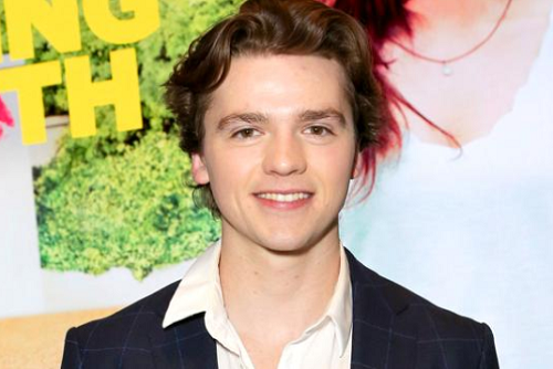 Joel Courtney Bio, Net Worth, Girlfriend, Age, & Salary