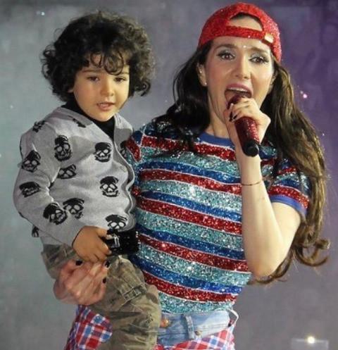 merlín atahualpa mollo along with his mother