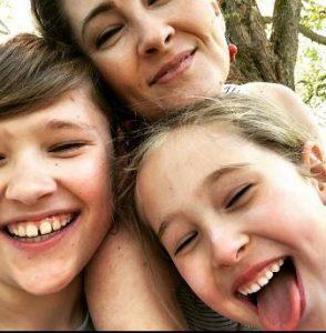 Jody Thompson with her children