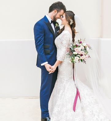 Baseball player Kris Bryant with his wife
