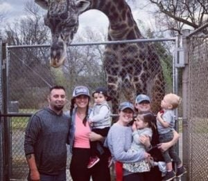 The family goes to visit a Zoo