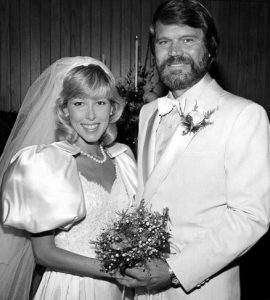 The late-Glen Campbell with his ex-spouse, Sarah Barg