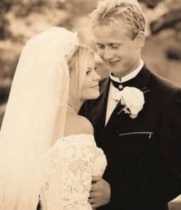 Candace Cameron Bure and Valeri Bure on their wedding day