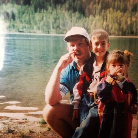 Jessica Delp with her father and brother