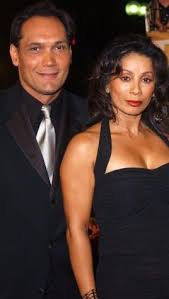 Jimmy Smits and his girlfriend