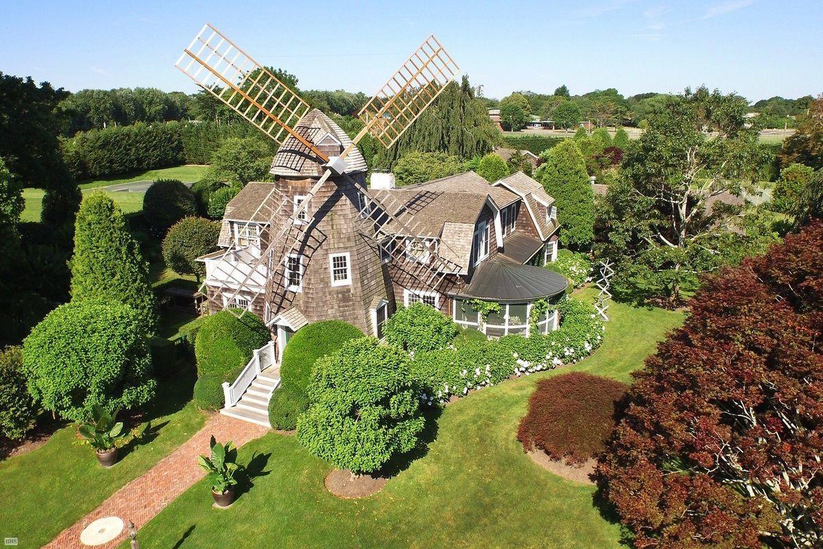 Robert Downey Jr's cottage in East Hampton