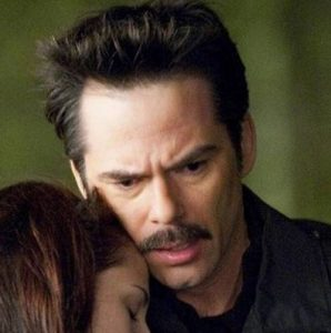 Billy Burke played Charlie Swan in The Twilight Saga film series