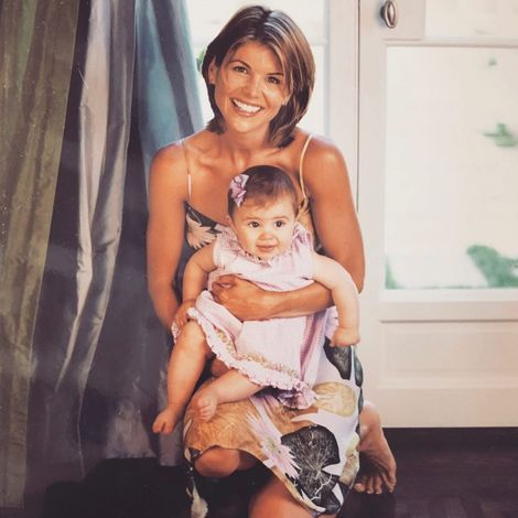 Olivia Jade Giannulli and her mom