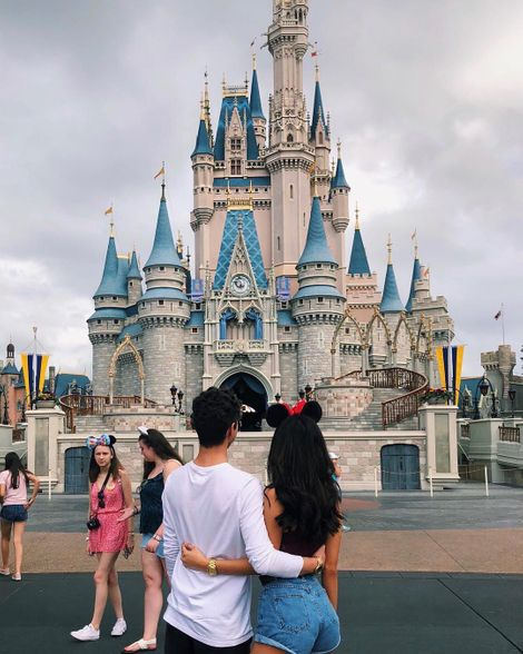 Kalya Kosuga at Disney Land with her boyfriend