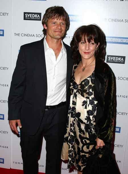Steve Zahn with his wife