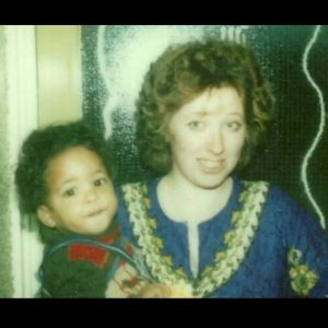 Ricky took a picture with her mother during his early years