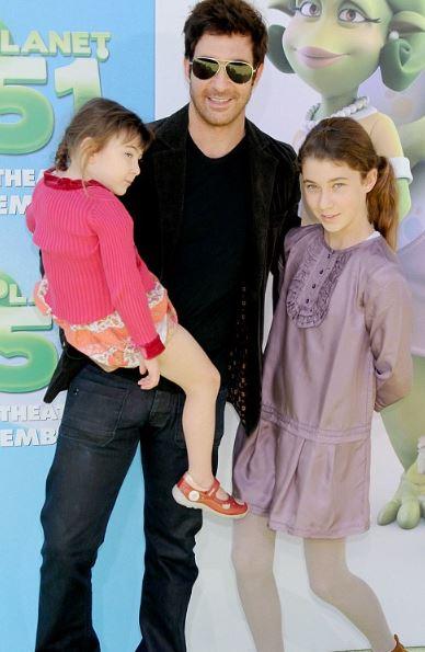 Dylan McDermott and his children