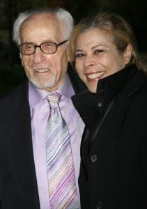 Roberta took a picture with her late father Eli Wallach