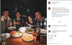 Lively with his three kids having dinner.