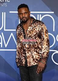 Darius living a single life.