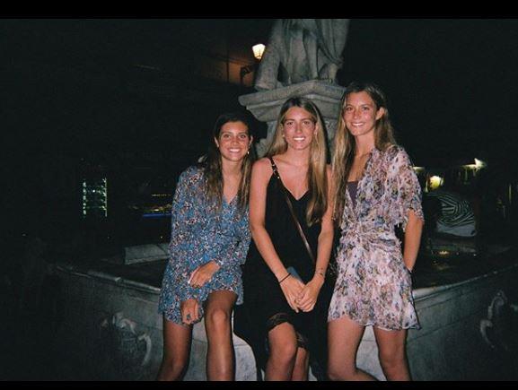 Stella Figo and her sisters
